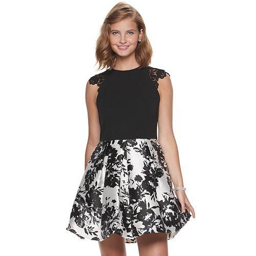 Juniors' Speechless Lace Shoulder Floral Print Dress