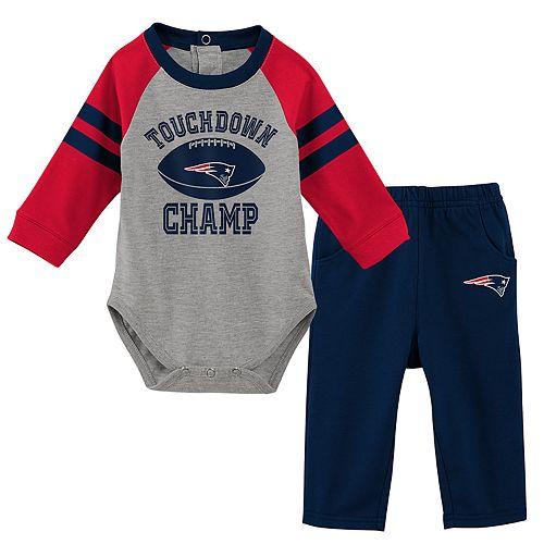 Baby Boy New EnglandPatriots Touchdown Bodysuit & Pants Set