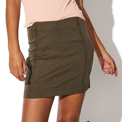 Juniors' Vylette™ Seamed Mini Skirt