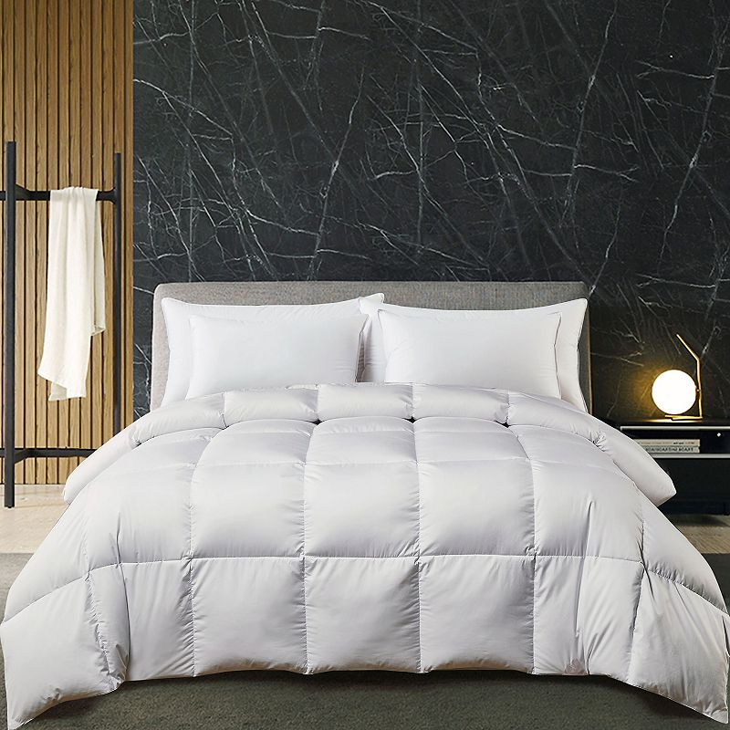 Hotel Suite White Goose All Seasons Comforter. Full/Queen