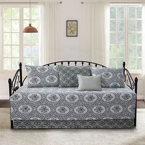 Serenta Legacy 6-Piece Quilted Daybed