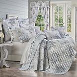 Estelle Blue Quilt Set