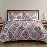 VCNY Home Danielle Ogee Quilt Set