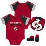 Baby North Carolina State Wolfpack 50 Yard Dash Bodysuit, Bib & Booties Set