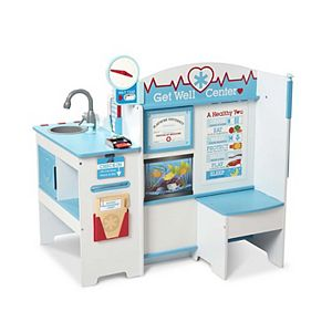 Melissa & Doug Adopt-a-Pal Deluxe Vet and Groomer Animal Care Wooden  Activity Center with 49+ Plush & Accessories