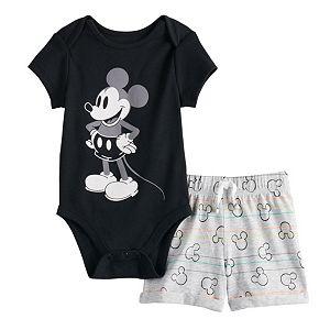 Disney Mickey Mouse Baby Boys Bodysuit Pants Bib /& Cap Layette Set