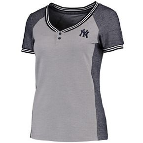 Women's Antigua Gray/Navy New York Yankees Quick Henley T-Shirt