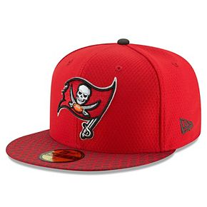 Men's New Era Red Tampa Bay Buccaneers 2017 Sideline Official 59FIFTY Fitted Hat