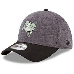Men's New Era Heathered Gray/Black Tampa Bay Buccaneers Black Logo Shadow Tech 39THIRTY Flex Hat