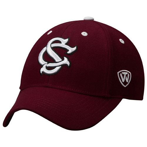Mens South Carolina Gamecocks Top of the World Garnet Dynasty Memory Fit Fitted Hat
