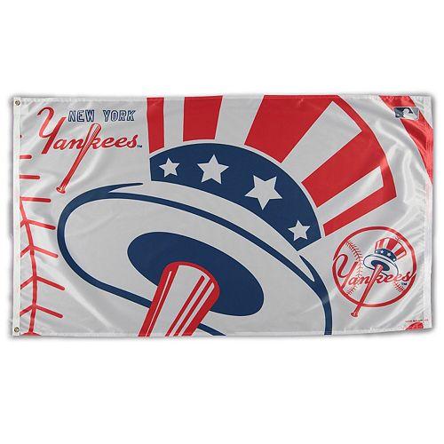 WinCraft New York Yankees Team Logo Deluxe 3' x 5' Flag