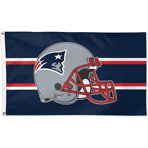 WinCraft New England Patriots Single-Sided 3' x 5' Deluxe Helmet Flag