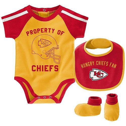 Newborn & Infant Yellow/Red Kansas City Chiefs Tackle Bodysuit, Bib & Booties Set