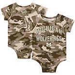 Newborn & Infant Colosseum Camo Michigan Wolverines OHT Military Appreciation Desert Camo Raglan Bodysuit
