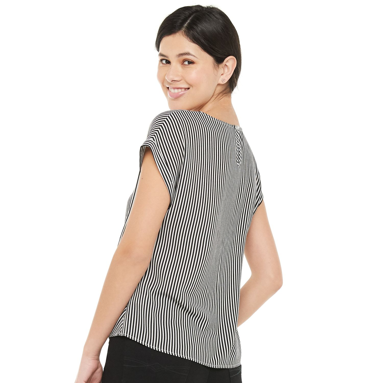 Juniors' SO® Scoopneck Twisted Front Keyhole Back Top