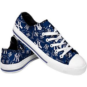 Women's New York Yankees Low Top Repeat Print Canvas Shoes