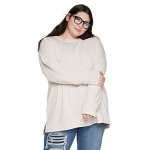 Juniors' Plus Size SO® Crewneck Shirt with Short Side Vents
