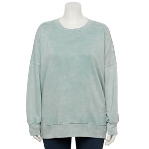 Juniors' Plus Size SO® Crewneck Shirt with Short Side Vents