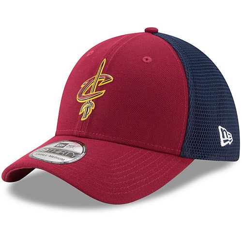 Men's New Era Wine Cleveland Cavaliers On-Court 39THIRTY Flex Hat