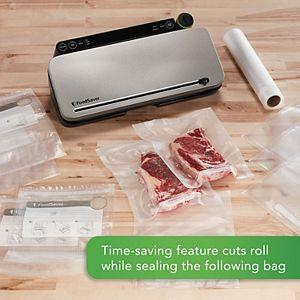 FoodSaver Multi-Use Food Preservation System with Built-In Handheld Sealer