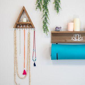Stratton Home Decor 9-Hook Triangle Shelf