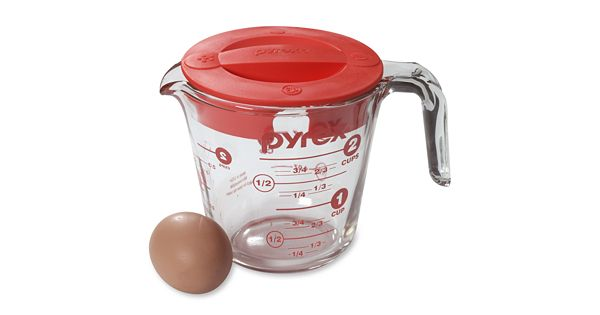 Pyrex 2 Cup Covered Glass Measuring Cup