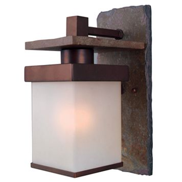 Boulder Large 1-Light Wall Lantern