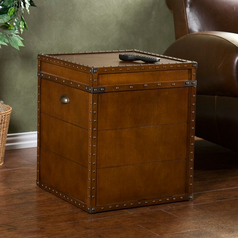 Steamer Trunk End Table, Brown