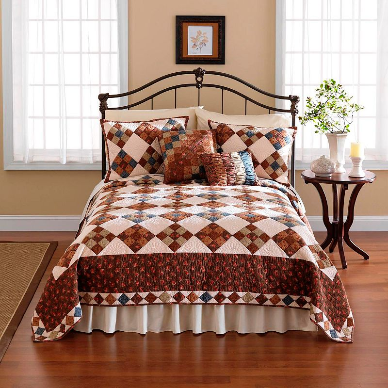 Selina Pieced Quilt - Twin