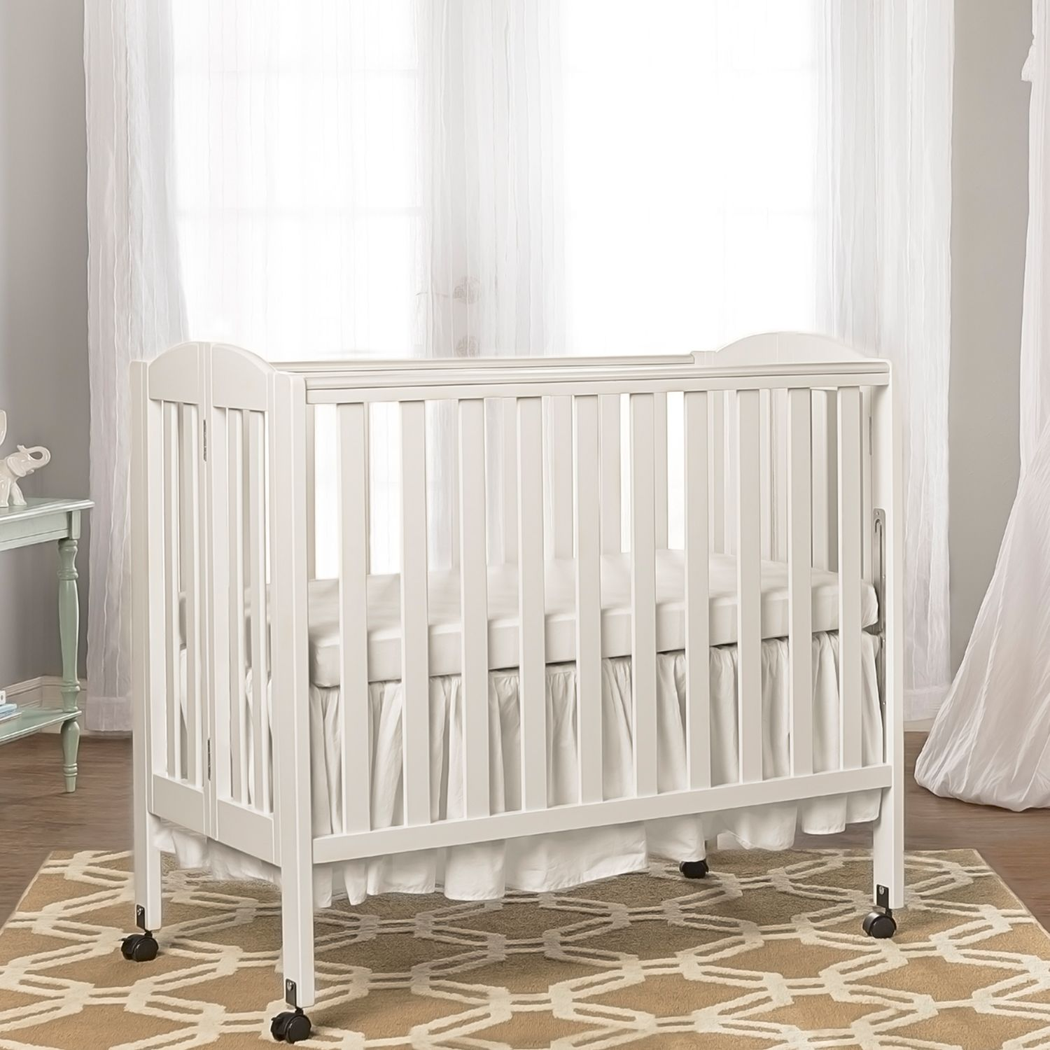 Dream On Me 3 In 1 Folding Portable Crib