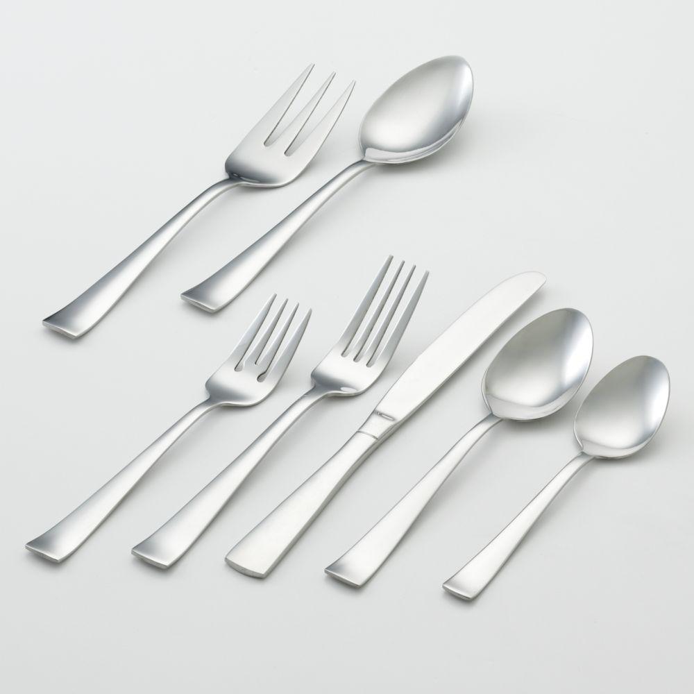 zinc 82 pc flatware set