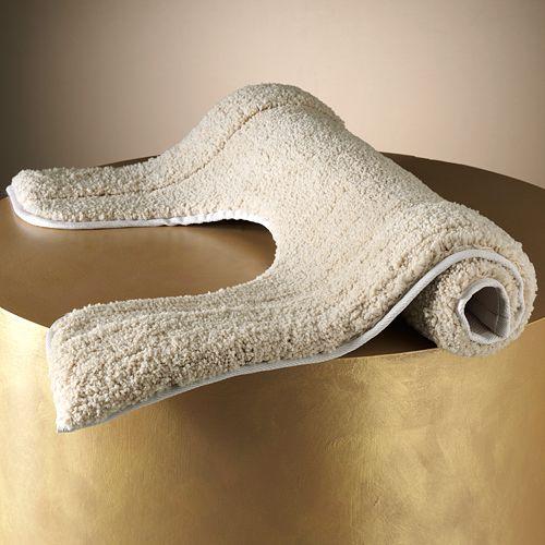 Plush Solid Contour Bath Rug - 20'' x 24''