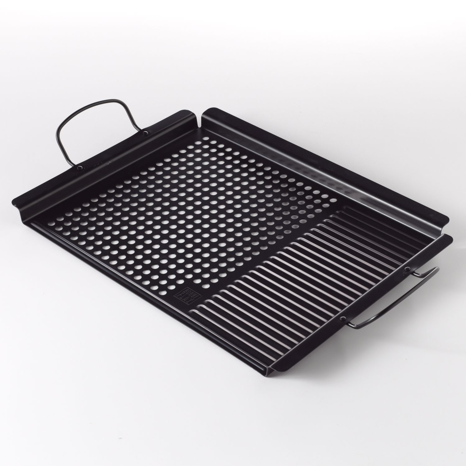... Barbecuing Pro. Its Versatile Design Lets You Cook Meats, Vegetables  And More, All At Once. Create Gourmet Grilled Dishes With The Help Of This  Bobby ...