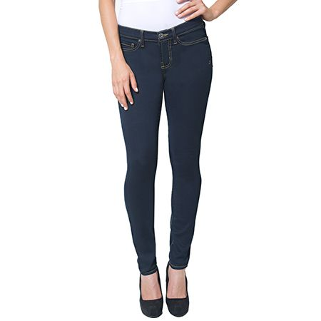 What is the difference between pencil jeans and skinny jeans?