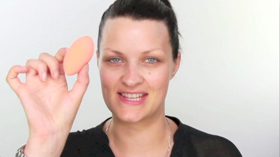 real techniques miracle sponge tutorial