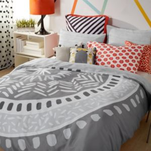 Scribble Medallion Comforter Collection