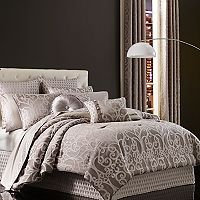 37 West Ivy Comforter Collection
