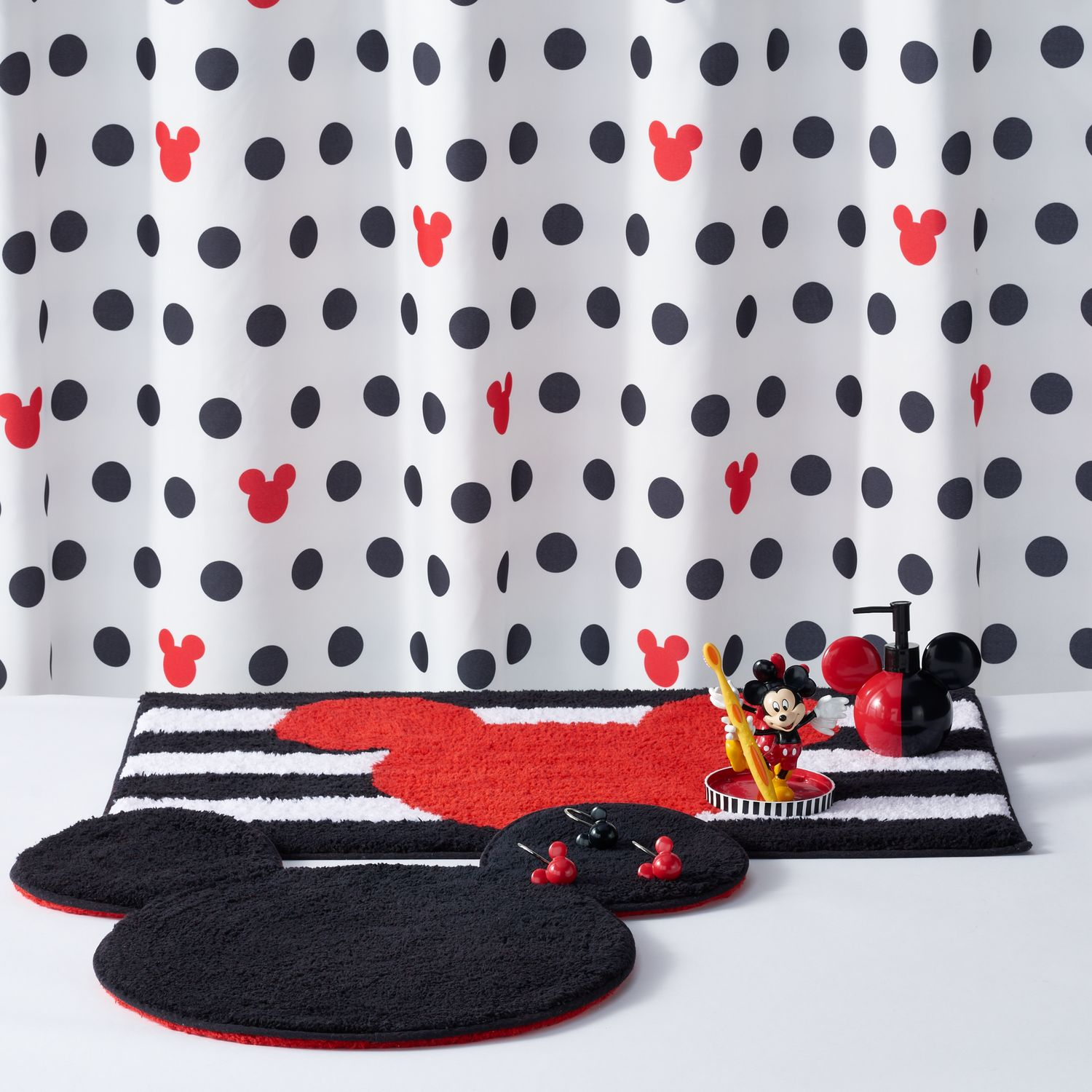 Disneyu0027s Mickey U0026 Minnie Mouse Bath Accessories Collection