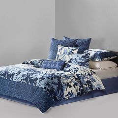 N Natori Yumi Botanical Comforter Collection