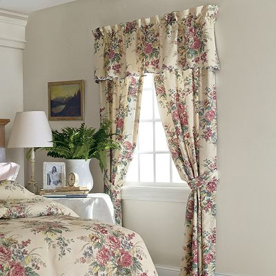 Chaps Home Wainscott Window Treatments