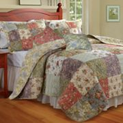Blooming Prairie Reversible Floral Quilt Set