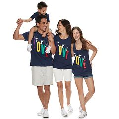 Family Fun Peanuts Snoopy 'Love' Graphic Tops