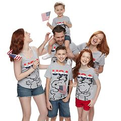 Family Fun Peanuts Snoopy 'USA' Graphic Tops