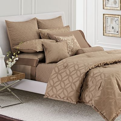 Simply Vera Vera Wang Interlocked Bedding Coordinates