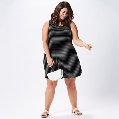 Plus Size Casual LBD Outfit