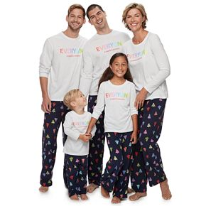 Jammies For Your Families Everyone is Santa's Fave Family Pajamas Collection