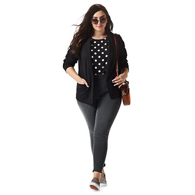 Plus Size Back In Black Outfit
