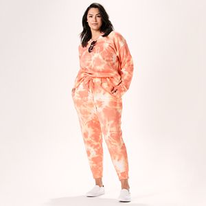 Plus Size Cut to Coral Outfit
