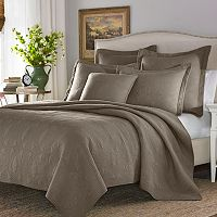 Stone Cottage Arbor Quilt Collection